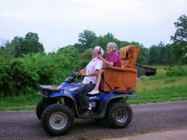 582055-old-couples-having-fun-7__605-650-61efd3a3c1-1484729715