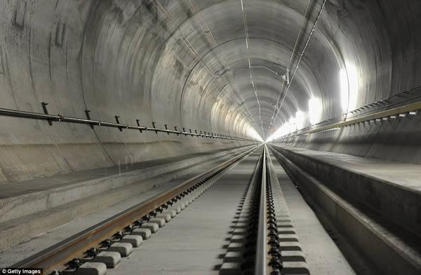 a100025_train-passing_3-longest