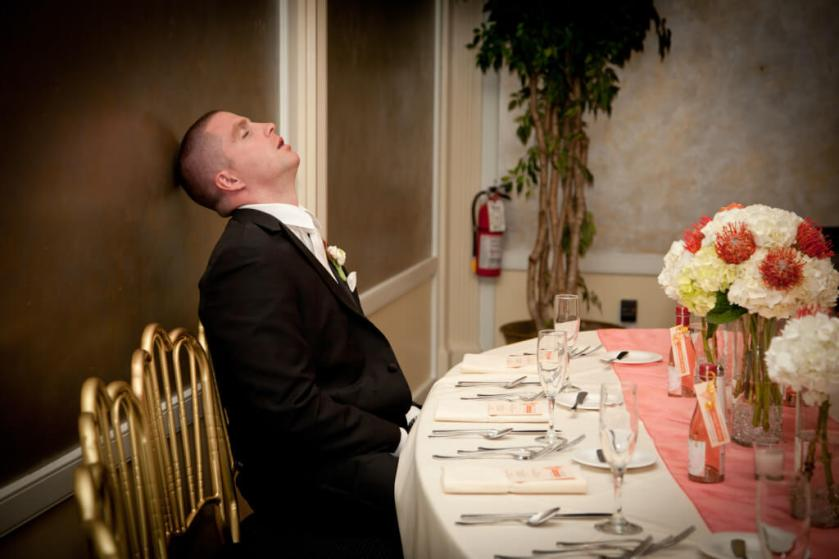 nj-wedding-groomsmen-funny-silly-drunk-groom-fell-asleep-1024x682