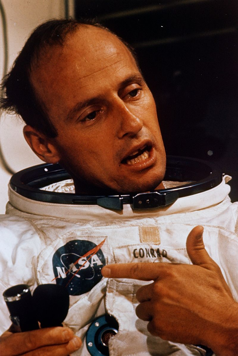 Pete_Conrad_during_EVA_training_in_the_Flight_Crew_Support_Building