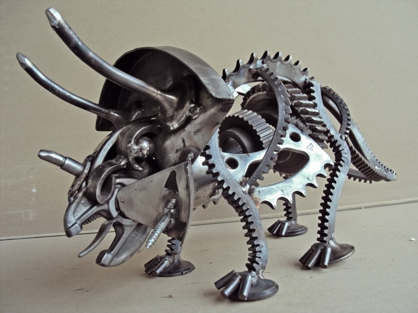 steampunk-sculpture_dinosaurs