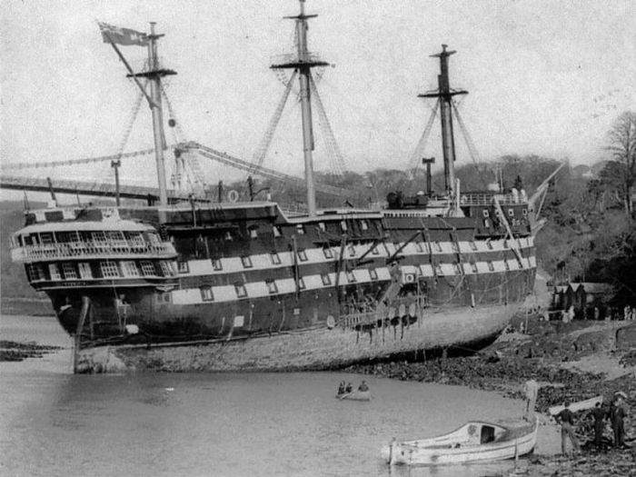 wooden_ships_11