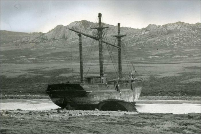 wooden_ships_24