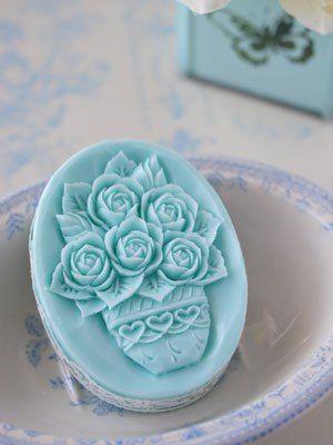 a8484e1197e2e9cc79df1a58e3020718--soap-carving-bath-soap