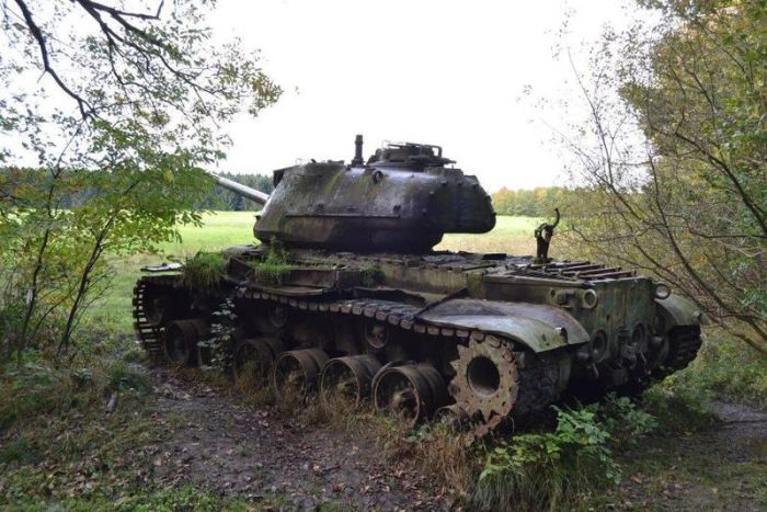 abandoned_tanks_05