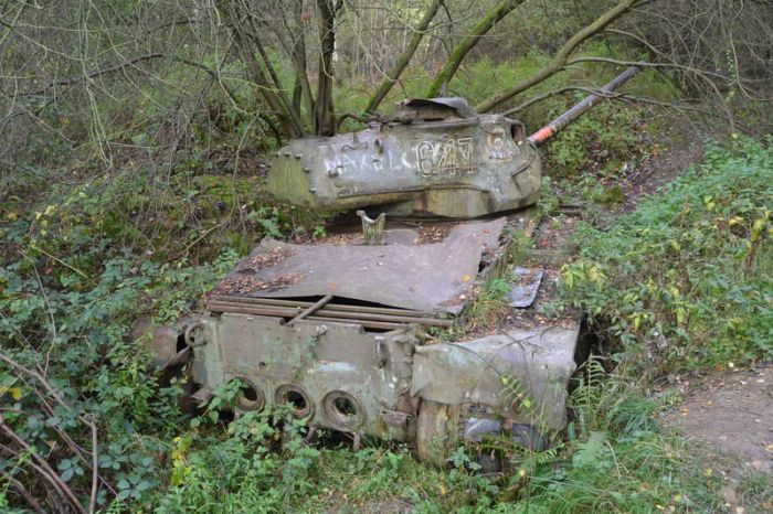 abandoned_tanks_06