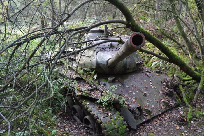 abandoned_tanks_07