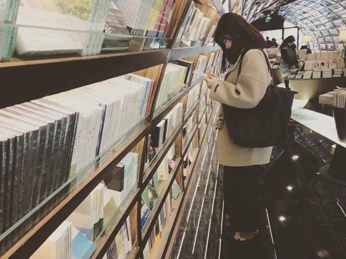 book_tunnel_03