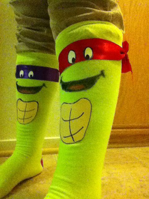 ca93536c14c2aa4dcc6de08cc6f47ce6--cool-socks-crazy-socks-diy-kids