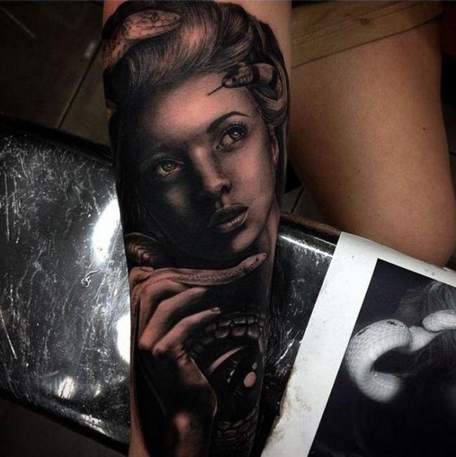 drew_apicture_tattoo_32