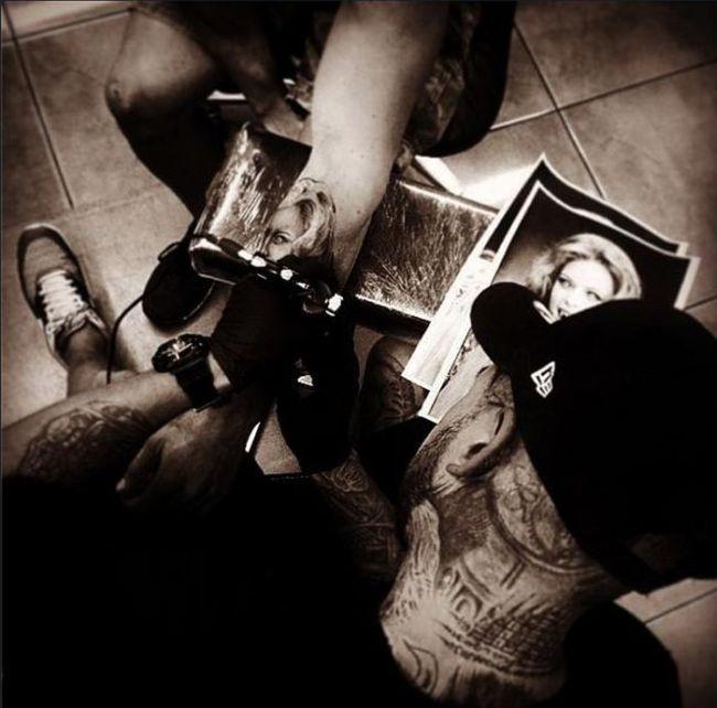 drew_apicture_tattoo_36