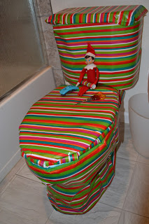 Easy_Elf_on_the_Shelf_Ideas_30