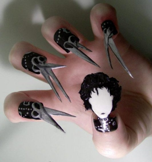 edward_scissorhands-nail-art-design-562x600
