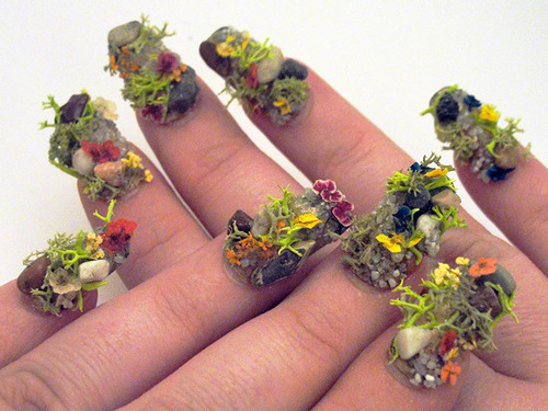 Flowers-garden-nail-art-design-1