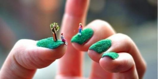 grass-nail-art-design-600x300