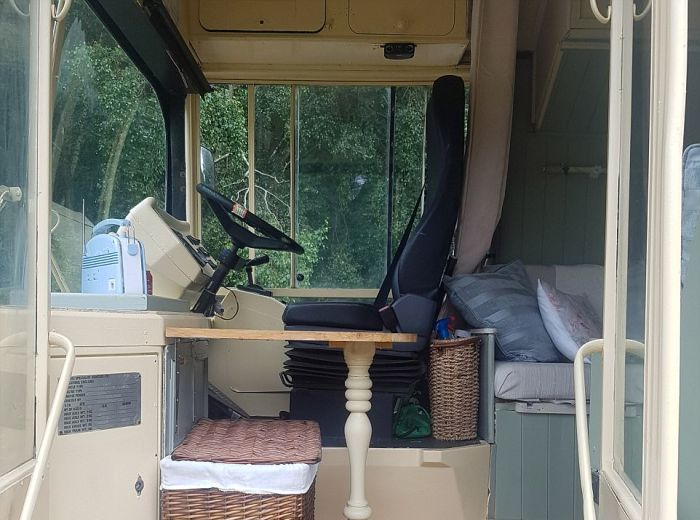 luxury_campervan_09