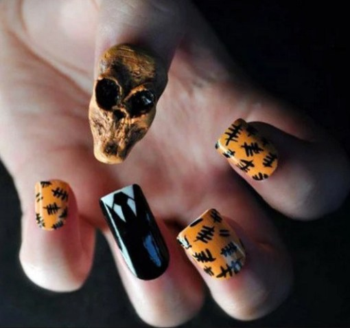 Top-10-Nerdy-and-Unusual-Nail-Art-10