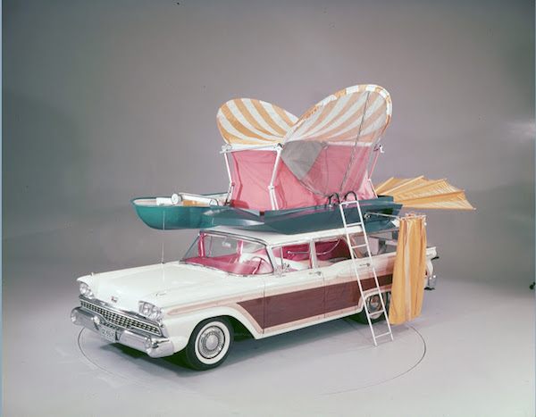 a100132_1959-Ford-Country-Squire-with-push-button-station-wagon-living-equipment-neg-C991-2