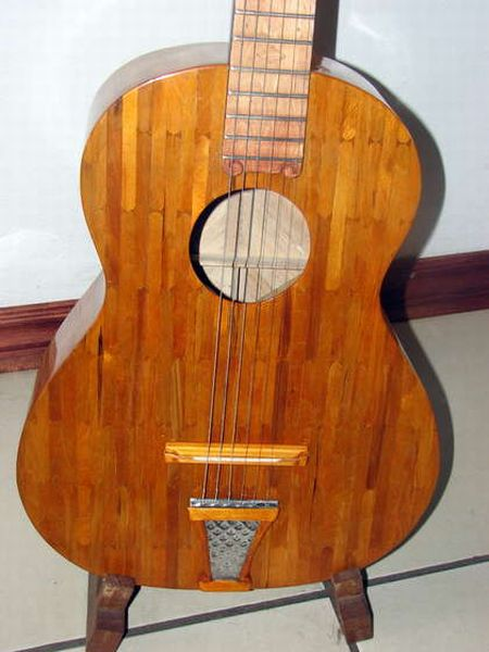 guitar_made_with_popsicle_sticks_01