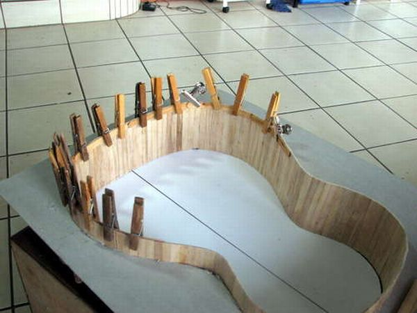 guitar_made_with_popsicle_sticks_04