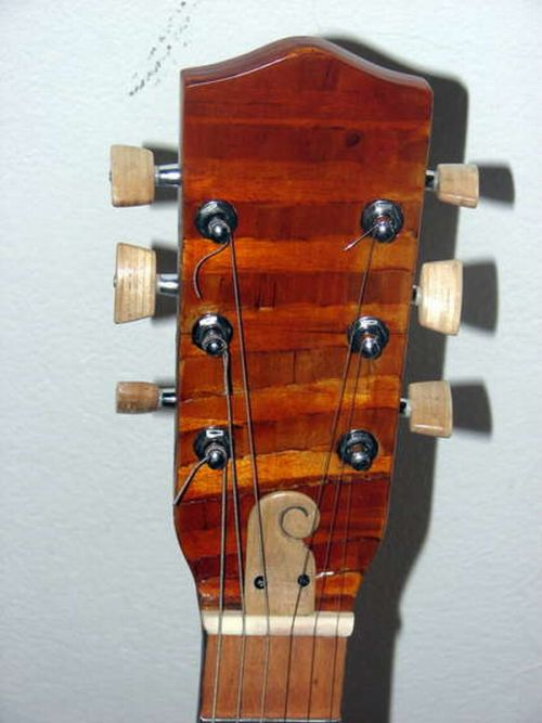 guitar_made_with_popsicle_sticks_12