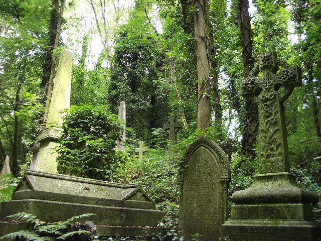 It-is-divided-into-two-parts-named-the-East-and-West-cemetery.-Photo-Credit-640x480