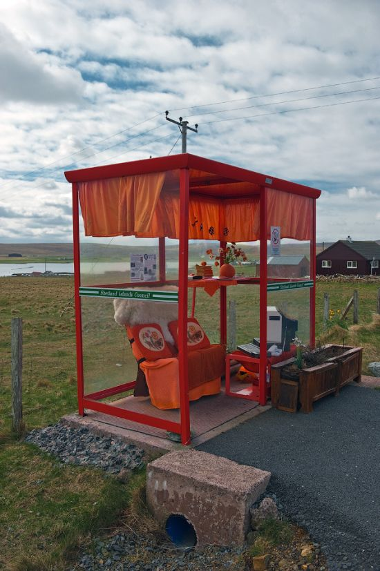 the_most_comfortable_bus_stop_in_the_uk_04