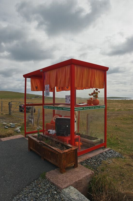 the_most_comfortable_bus_stop_in_the_uk_06