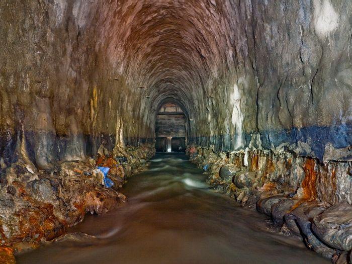 underground_rive_03