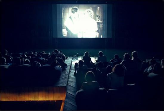 archipelago-floating-cinema-5-550x373