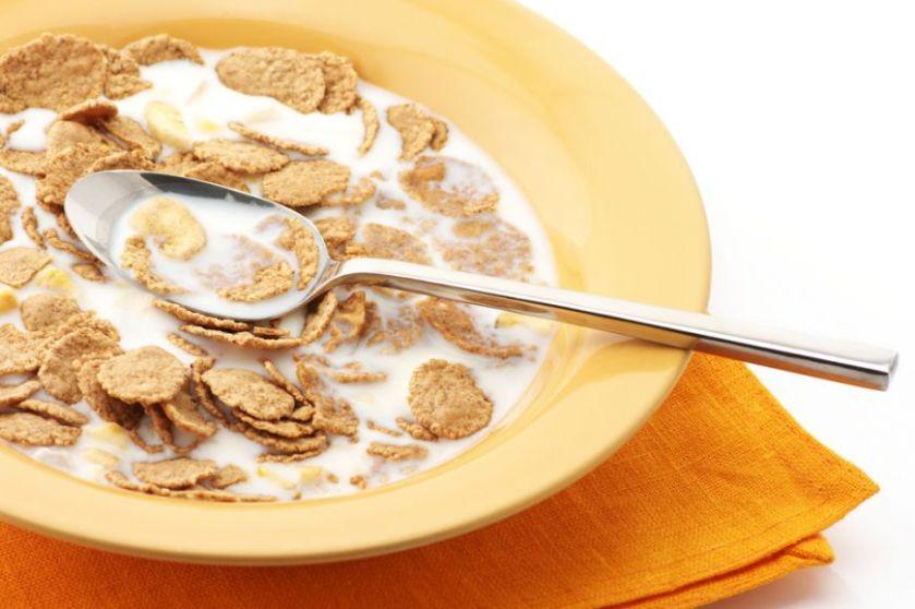 de-ce-laptele-cu-cereale-nu-este-cel-mai-sanatos-mic-dejun_size1
