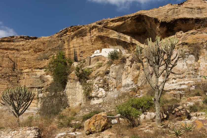 Manastiri (1)