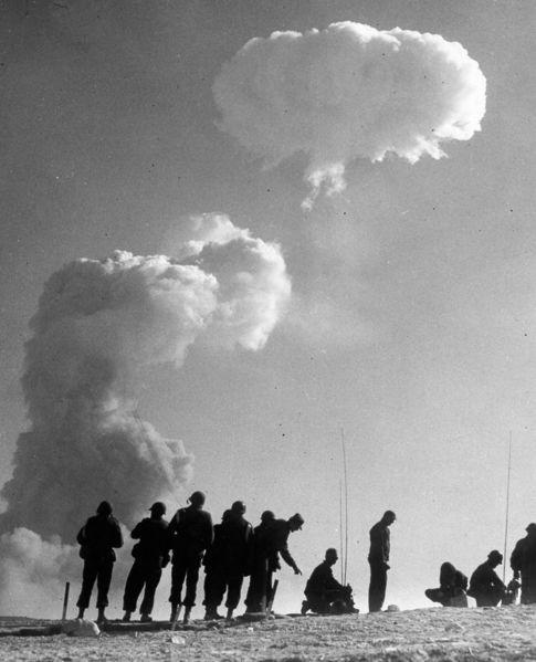 Bomba nucleara (11)