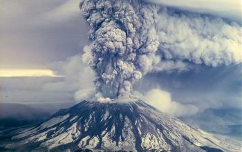 Fotografii care au înfruntat Muntele St. Helens