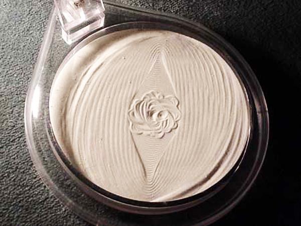 Trandafirul desenat de un cutremur